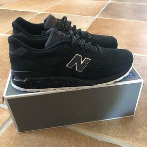New Balance Shoes - New Balance M998ABK Sz 10